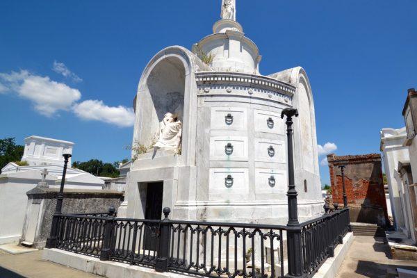 Italian Mutual Benevolent Society Tomb_St. Louis Cemetery 1